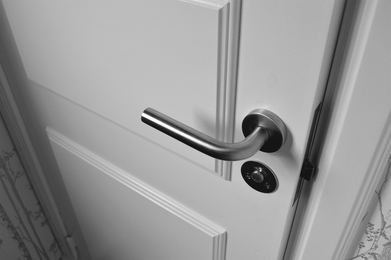 Montering af lås kasselås indendørs døre